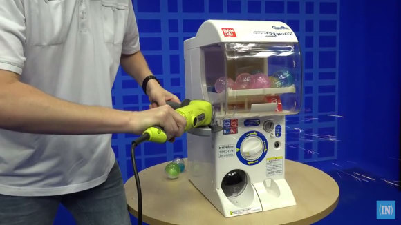 see-whats-inside-the-gashapon-machines