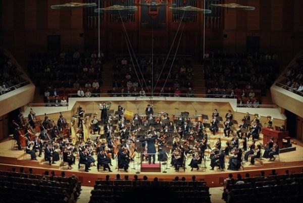 tokyo-philharmonic-orchestra-hatsune-miku-symphony-concert-02