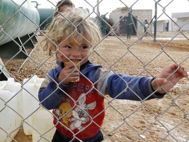szíriai menekült kisgyerek