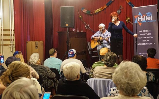 Hernádi Judit és Heilig Gábor előadása