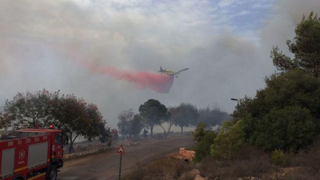 Tűzoltás Jeruzsálem közelében
