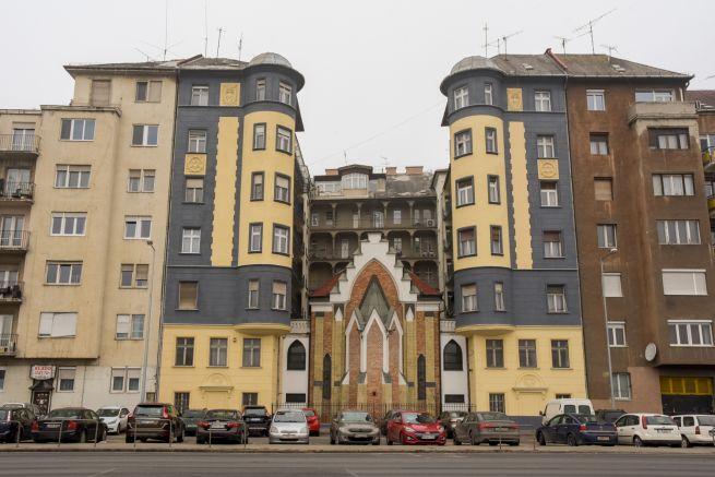 Az épület a Duna felől (Fotó: Gyulai Szilvi/Budapest100)