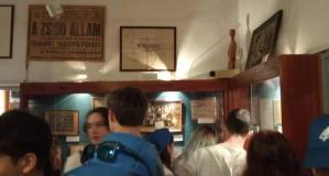 Az Élet menete résztvevői a Cfátban található, Magyar Nyelvterületről Származó Zsidóság Emlékmúzeumában (Fotó: Facebook/Az Élet Menete Alapítvány)