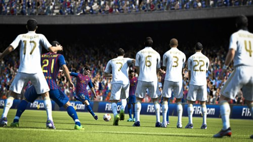 Messi tirando una falta en FIFA 13