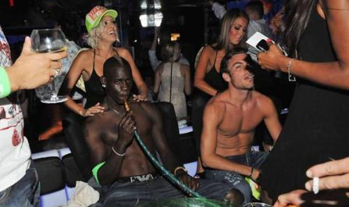Balotelli no jugará la vuelta; está recuperándose de una les... WTF