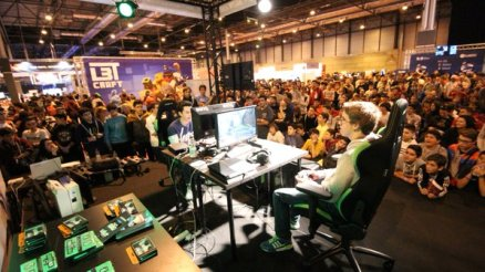 Stand VersusGamers