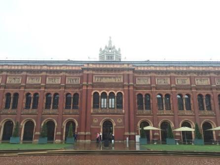 Belaakangnya Victoria & Albert museum