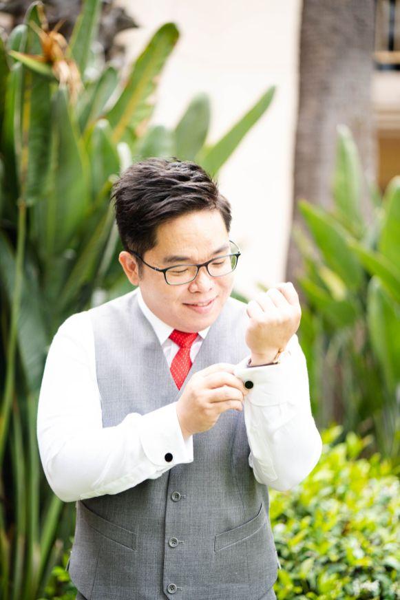 groom getting ready san diego hilton
