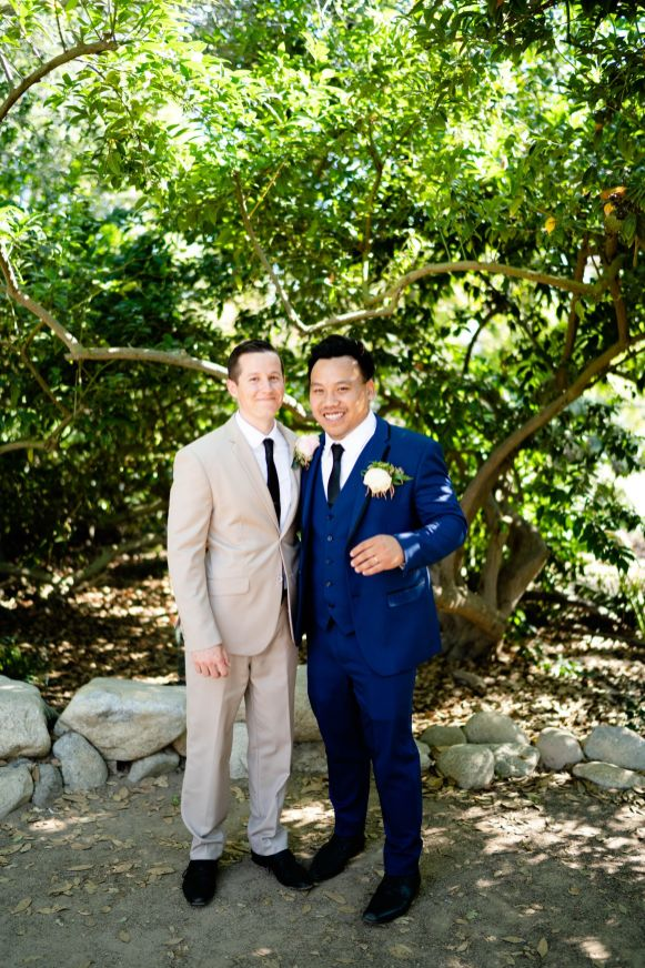suits photo groomsmen