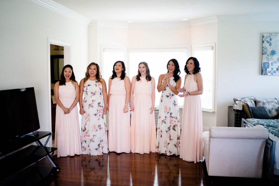 photo idea bridal party first look