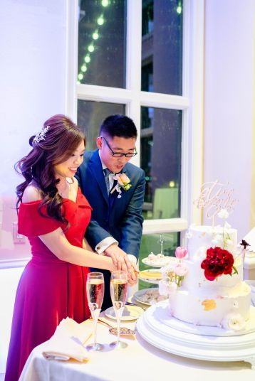 go cakes wedding cake cutting