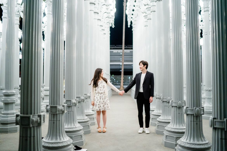 la proposal photographer engagement urban lights