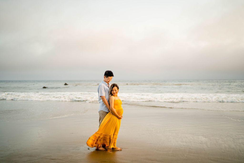 beach pregnancy announcement photos el matador