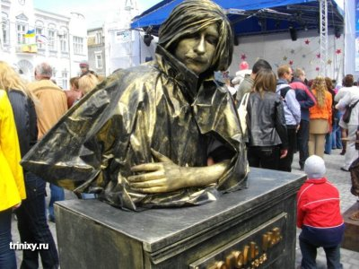 russian-living-statue-1_019