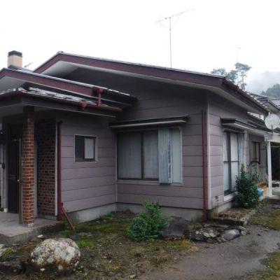 【売買】300万円 栃木県日光市所野 自然豊かで川が目の前にある 庭・物置・駐車場付き平屋