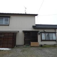 【売買】350万円 新潟県村上市塩町 1km前後に学校・生活施設有 駐車場付き2階建