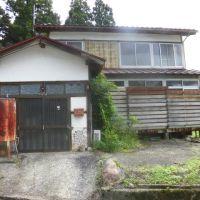 【売買】200万円 新潟県糸魚川市能生 車庫兼物置付き2階建 囲炉裏有・水洗トイレ