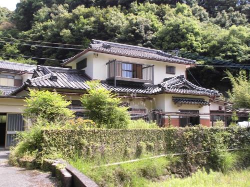 【賃貸】2万円 熊本県天草市魚貫町 静かな山あいの和風2階建 ペット・駐車場相談可