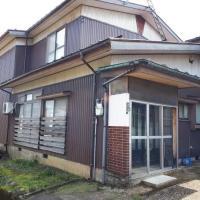 (交渉中)【売買】100万円 新潟県妙高市月岡 生活便利な住宅地 即入居可能な車庫付き2階建
