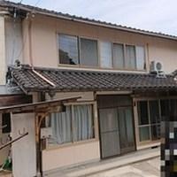 【売買】320万円 島根県松江市魚瀬町 海に程近い閑静な住宅地 和室10部屋・駐車場付き2階建