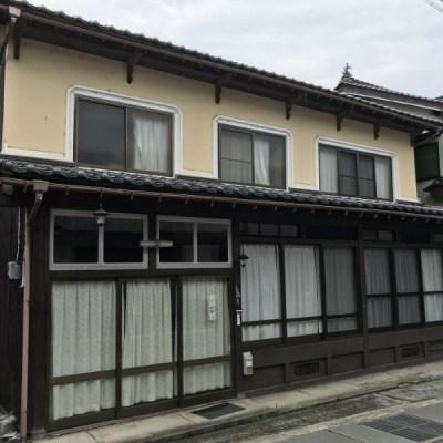 【売買】200万円 兵庫県養父市関宮 玄関から続く広い土間スペース・続き和室のある2階建古民家 農地有