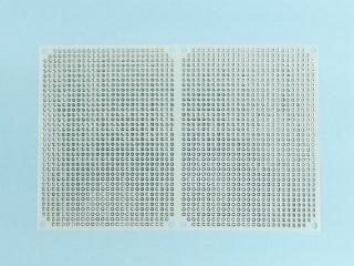 0.1mm厚 極薄両面ガラス・ユニバーサル基板 2.54mmピッチ (95x144mm)