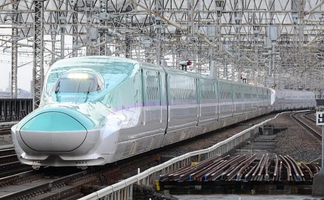 H5kei hayabusa and E6kei komachi min 1024x632 - 冬の臨時列車まとめ 東北新幹線編