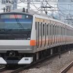 中央線開業130周年記念でラッピング電車運行