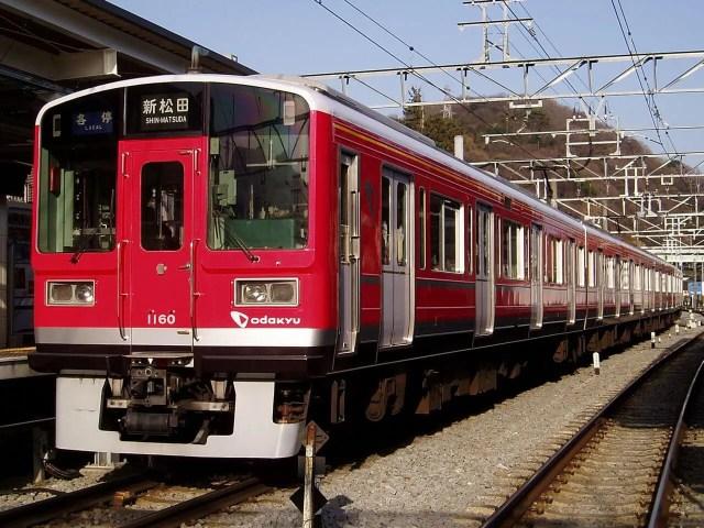 小田急1000形リニューアル車が箱根登山鉄道で運行開始。登山電車カラーの未更新車は順次引退へ