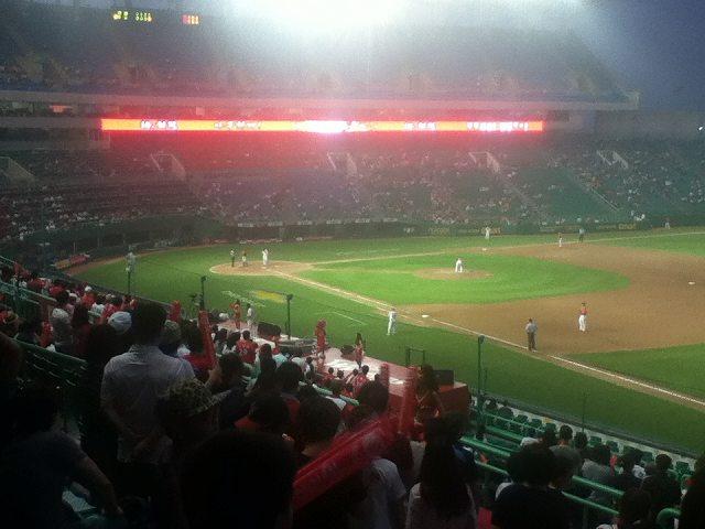 韓国プロ野球:ハンファVSSKワイバーンズ