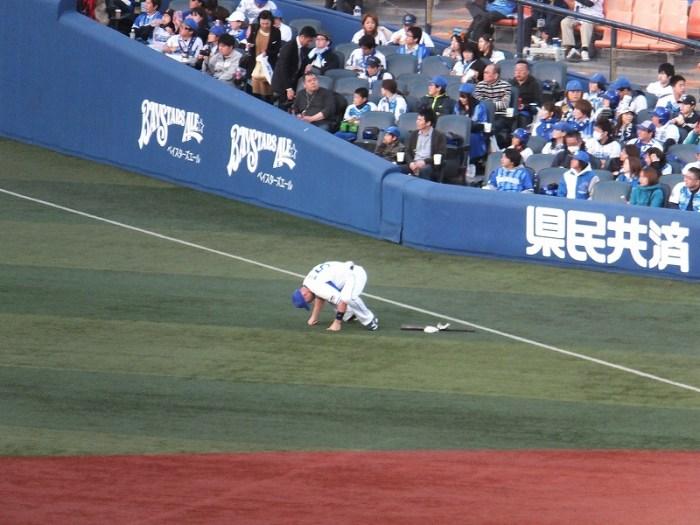 試合前の準備に余念がないジェイミーロマック:横浜DeNAベイスターズ