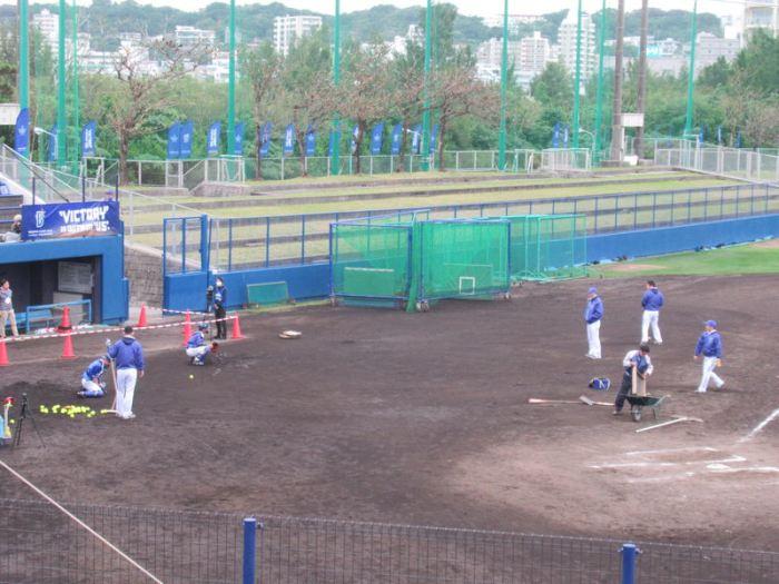 キャッチャーの捕球練習:横浜DeNAベイスターズ宜野湾キャンプ