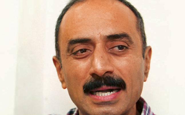 Sanjiv Bhatt a tool in hands of rival parties: Supreme Court - Mail Today  News