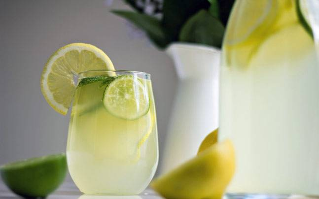 Why drinking good old nimbu pani in the hot weather is your best bet against summer woes - Lifestyle News