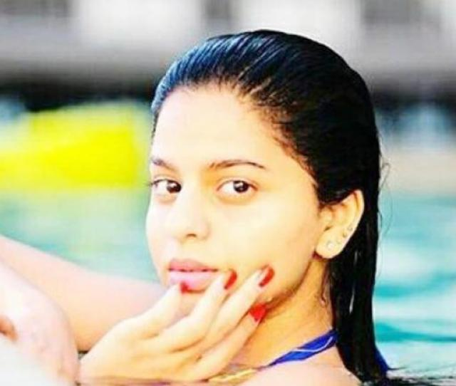 A Video Of Suhana Khan Playing In The Pool With A Dog Has Gone Viral On