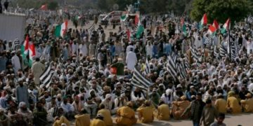 Azadi March to expand anti-govt protest across Pakistan