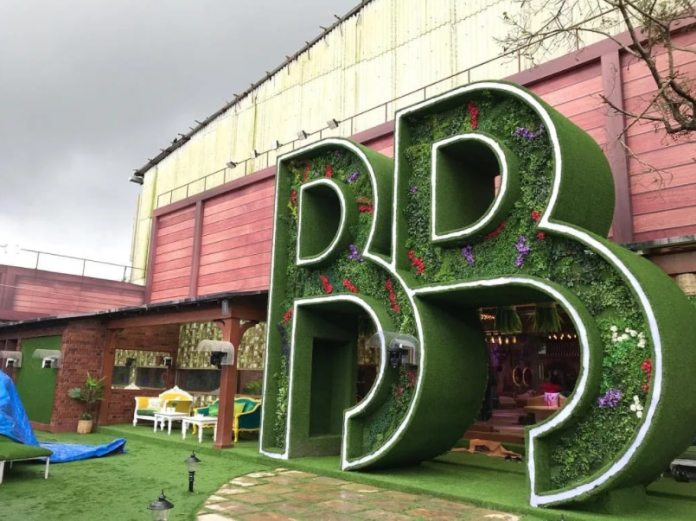 The set of Bigg Boss season 13 was set at Filmcity Goregaon, Mumbai. This time the set is to be planted there.