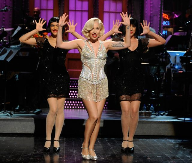 Lady Gaga Hosts And Performs On Snl E News