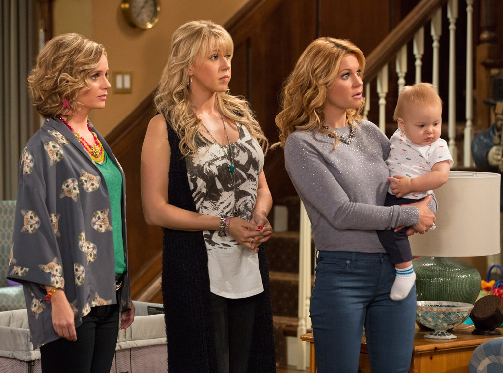 Fuller House Boss Reveals Truth About Trying to Cast Elizabeth Olsen     Fuller House  Full House