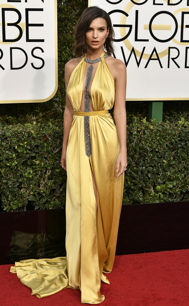 2017 Golden Globes Red Carpet Arrivals Emily Ratajkowski, 2017 Golden Globes, Arrivals