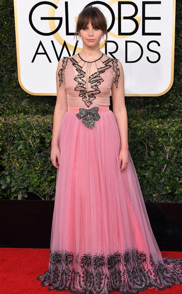 2017 Golden Globes Red Carpet Arrivals Felicity Jones, 2017 Golden Globes, Arrivals