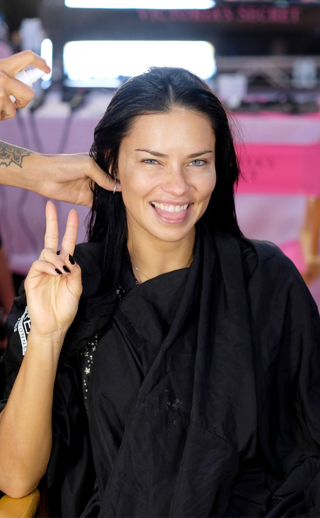 Adriana Lima, 2018 Victorias Secret Fashion Show, Backstage