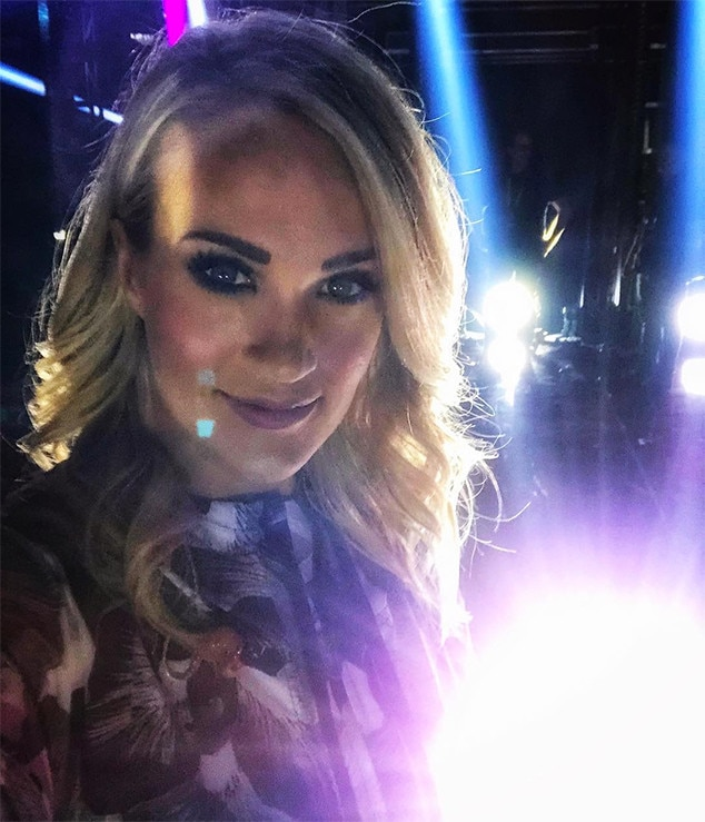 Carrie Underwood, Face, Instagram