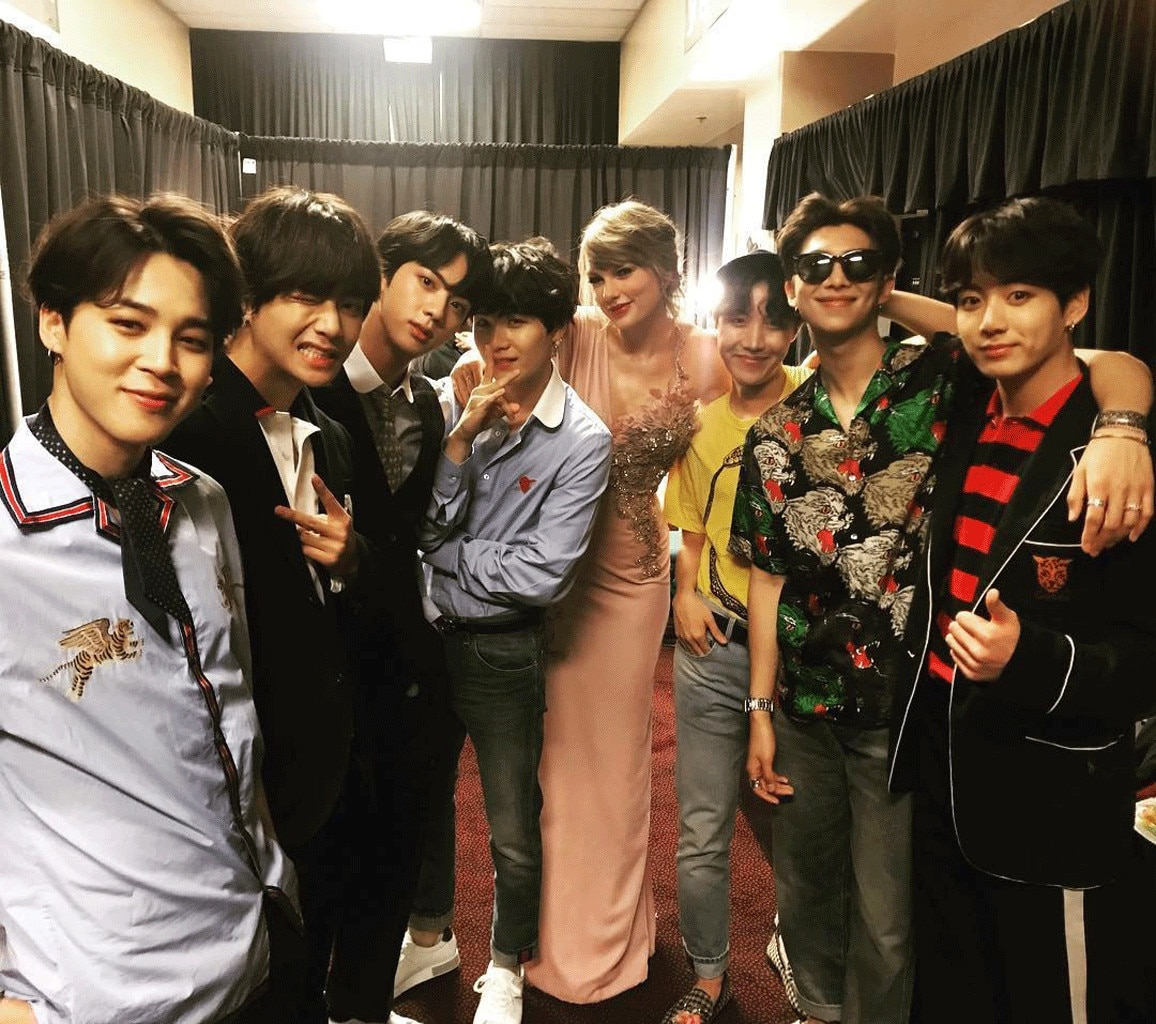 Taylor Swift backstage at BBMA 2018 with BTS... New music cooking?
