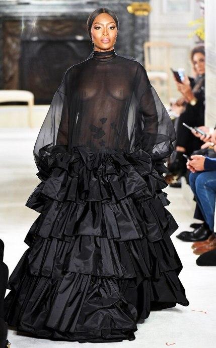 Naomi Campbell défilé Valentino