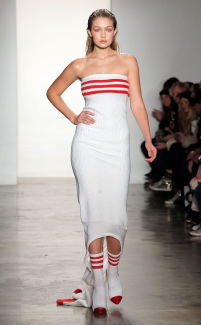 Gigi Hadid, Jeremy Scott Fashion Show