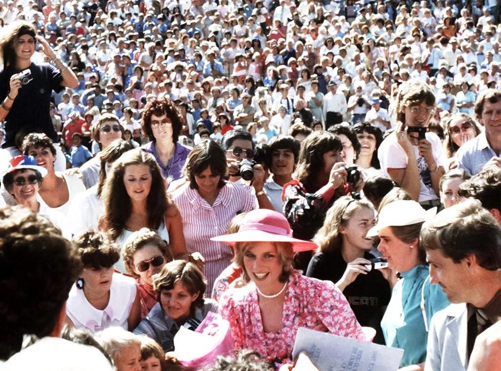 Princess Diana, Crowds