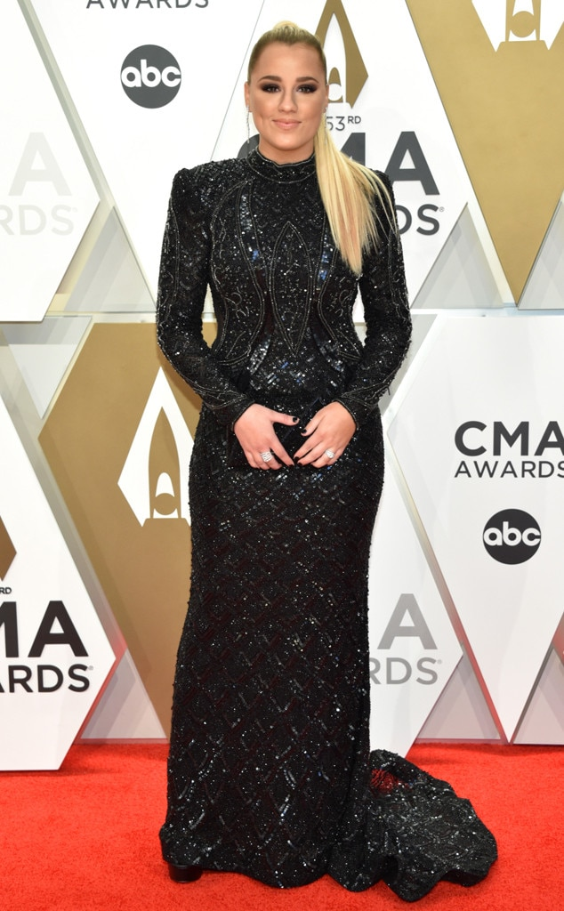 Gabby Barrett, 2019 CMA Music Awards, Red Carpet Fashion