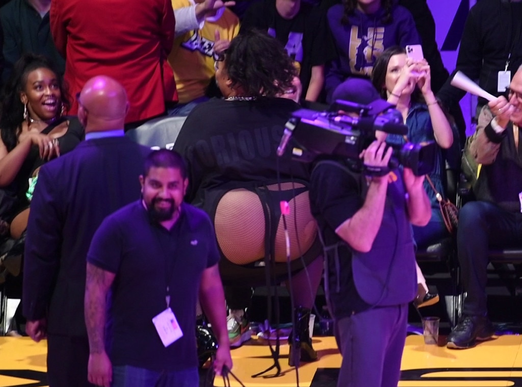 Lizzo Is A True Winner After Twerking Courtside In Her Thong