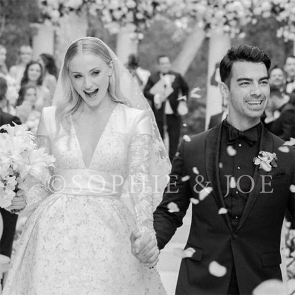 "Pregnant Sophie Turner Reveals One of the ""Many Benefits"" of ..."